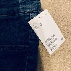 H&M Jeans - H&M NWT Split Front Med Wash Jean sz 18